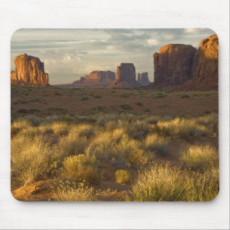 USA, Utah, Monument Valley National Park. Mouse Pad