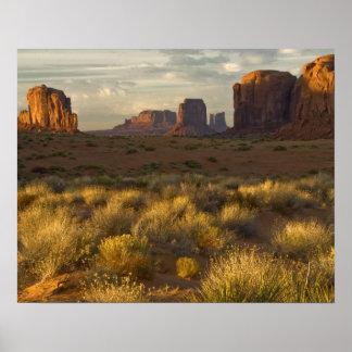 USA, Utah, Monument Valley National Park. Poster