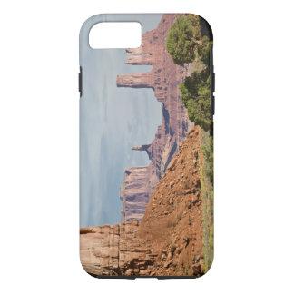 USA, Utah, Monument Valley Navajo Tribal Park. iPhone 8/7 Case