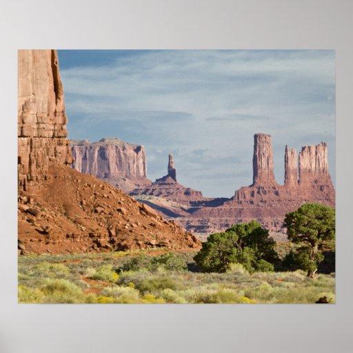 USA, Utah, Monument Valley Navajo Tribal Park. Poster