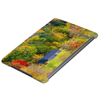 USA, Vermont. Fall foilage along Highway 100. iPad Air Case