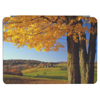 USA, Vermont. Farm Scenic Near South Woodstock iPad Air Cover