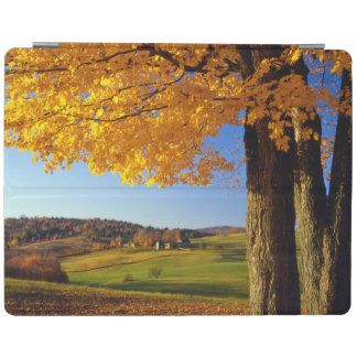 USA, Vermont. Farm Scenic Near South Woodstock iPad Cover