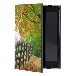 USA, Vermont. Fence under fall foliage. Cover For iPad Mini