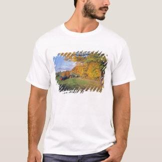 USA, Vermont, Jenne Farm. Fall comes to Jenne T-Shirt