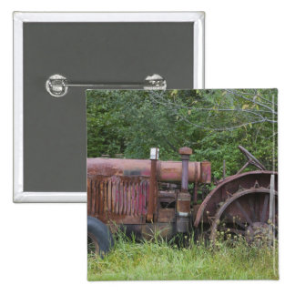 USA, Vermont, MANCHESTER: Antique Farm Tractor 15 Cm Square Badge