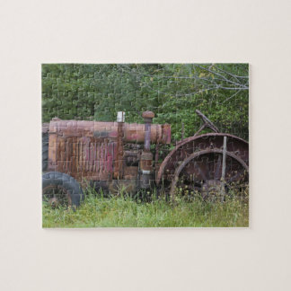 USA, Vermont, MANCHESTER: Antique Farm Tractor Jigsaw Puzzle