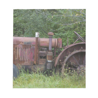 USA, Vermont, MANCHESTER: Antique Farm Tractor Notepad