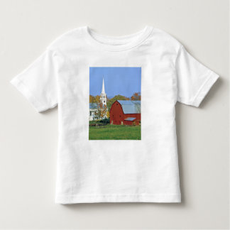 USA, Vermont, Peacham. A red barn and white Toddler T-Shirt