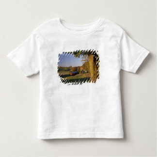 USA, Vermont, south Woodstock, Jenne Farm at Toddler T-Shirt