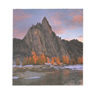 USA, Washington, Cascade Mountains.  Prusik Peak Notepad