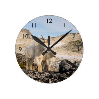USA, Washington, Cascade Range 2 Round Clock