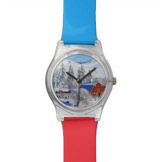 USA, Washington, Methow Valley, Barns in Wrist Watch