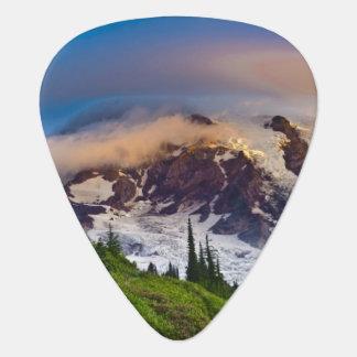 USA, Washington, Mt. Rainier. Morning sun Plectrum