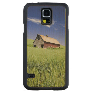 USA, Washington, Old Red Barn in the Spring Carved Maple Galaxy S5 Case
