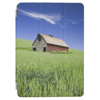 USA, Washington, Old Red Barn in the Spring iPad Air Cover