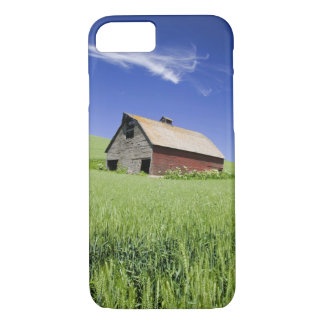 USA, Washington, Old Red Barn in the Spring iPhone 8/7 Case