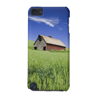 USA, Washington, Old Red Barn in the Spring iPod Touch (5th Generation) Case