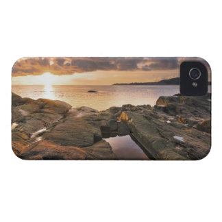 USA, Washington, San Juan Islands.  A dramatic 2 iPhone 4 Cover