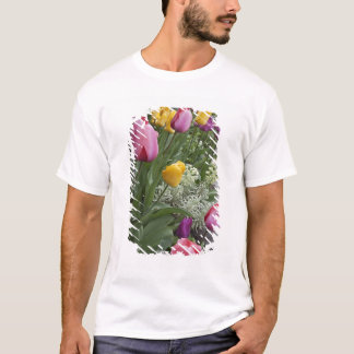 USA, Washington, Seabeck. Tulips line garden T-Shirt