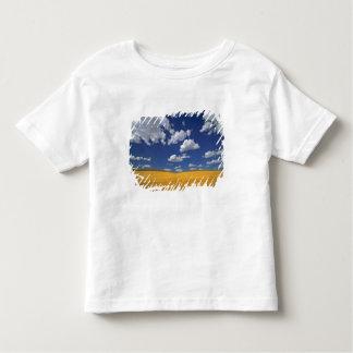 USA, Washington State, Colfax. Ripe barley meets Toddler T-Shirt