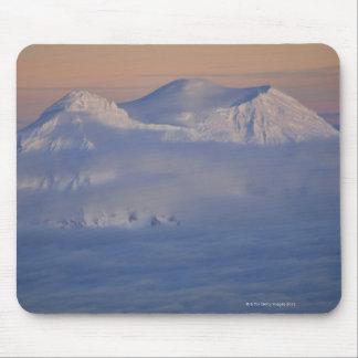 USA, Washington State, Mount Rainier peak in Mouse Mat