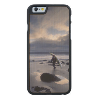 USA, Washington State, Olympic National Park. Carved Maple iPhone 6 Case