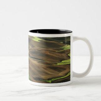 USA, Washington. View of Palouse farm country Two-Tone Coffee Mug
