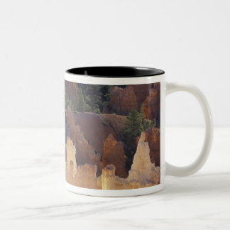 Utah, Bryce Canyon National Park. Hoodoos, Mug