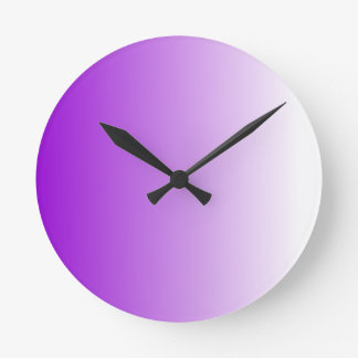 V Linear Gradient - Violet to White Round Clock