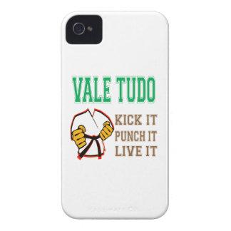Vale Tudo Kick it, Punch it, Live it iPhone 4 Case-Mate Cases