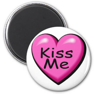 Valentines Kiss Me Heart 6 Cm Round Magnet