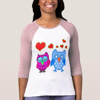 Vector  Cartoon Owls with hearts T-Shirt