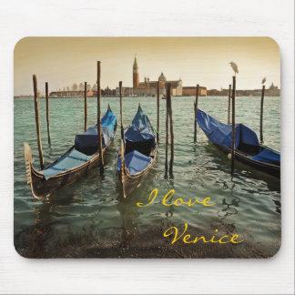 Venice gondolas mouse mat