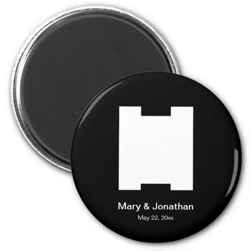 VERY ARTY H MONOGRAM BLACK MAGNETS
