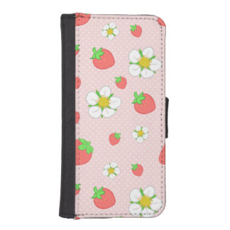 Very Berry Strawberries in Pink iPhone SE/5/5s Wallet Case