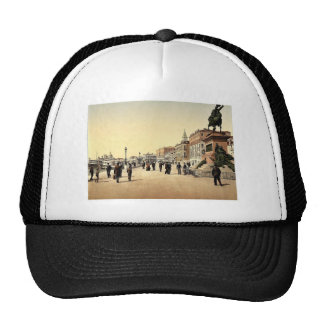Victor Emmanuel's Monument, Venice, Italy classic Hat