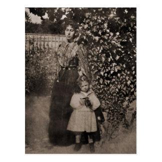 Victoria Melita of Hessen with Elizabeth #008D Postcard