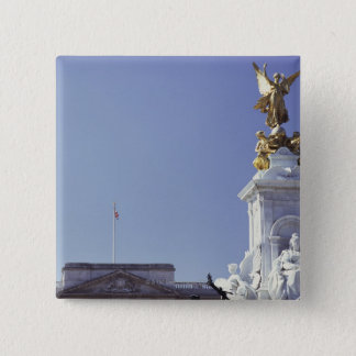 Victoria Monument and Buckingham Palace in 15 Cm Square Badge