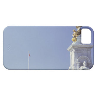 Victoria Monument and Buckingham Palace in iPhone 5 Cover