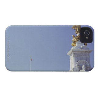 Victoria Monument and Buckingham Palace in Blackberry Bold Covers