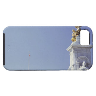 Victoria Monument and Buckingham Palace in iPhone 5 Covers