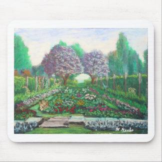 Victorian Garden at the Fuller Gardens Mouse Pad