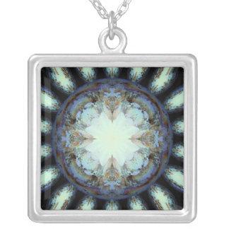 Victorian Queen Daisy Square Pendant Necklace