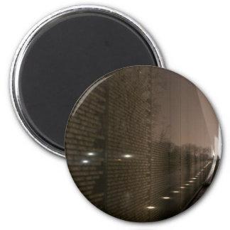 vietnam veterans memorial 6 cm round magnet