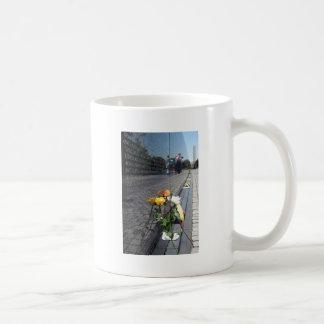 vietnam veterans memorial basic white mug