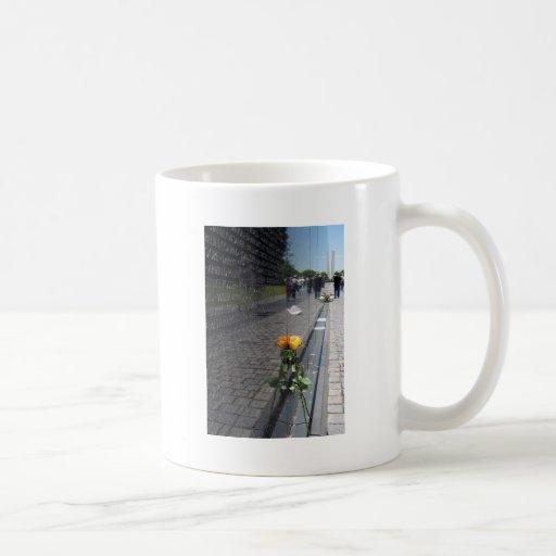 vietnam veterans memorial coffee mugs