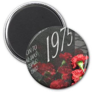 Vietnam Veterans Memorial Wall flower Magnet
