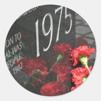 Vietnam Veterans Memorial Wall flower Round Stickers