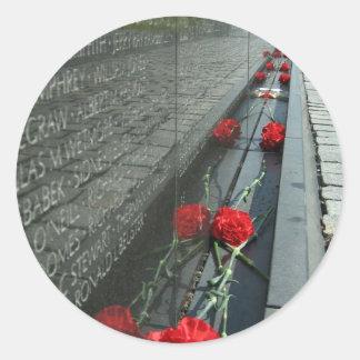 Vietnam veterans Memorial Wall Classic Round Sticker